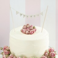 Mr and Mrs Wedding cake Bunting - Ivory - Vintage Affair