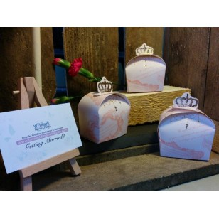 "20x ""Pink Crown"" filled Favour Boxes"